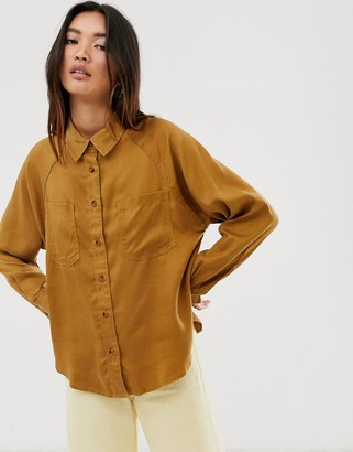 Only shirt with seam and pocket detail in tan-Brown