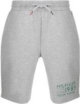 Tommy Hilfiger Logo Shorts Grey