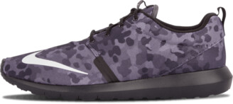 Nike Rosherun NM FB Shoes - Size 8