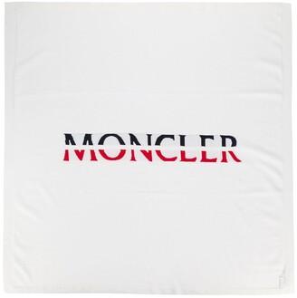 Moncler Enfant Logo-Print Blanket