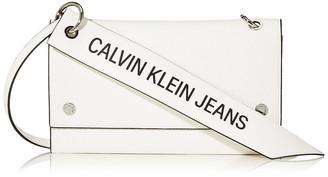 Calvin Klein Women's Ckj Banner Shoulder Flap Bag Cross-Body Bag Black (Black) 0.1x0.1x0.1 cm (W x H x L)
