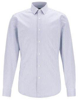 Slim-fit shirt in Italian cotton with hidden contrasts