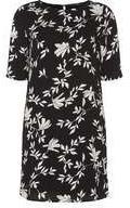 Dorothy Perkins Womens **Vero Moda Monochrome Floral Print Shift Dress- Multi