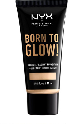 NYX Born To Glow Naturally Radiant Foundation 30Ml Pale