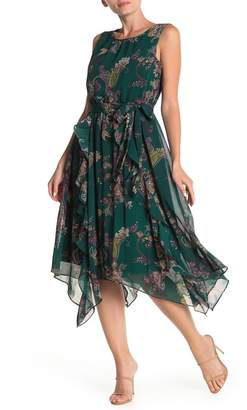 Gabby Skye Paisley Printed Chiffon Dress (Regular & Plus Size)
