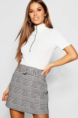 boohoo Petite Houndstooth Jacquard Belted Mini Skirt