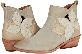 Frye Farrah Floral Bootie (Wheat Oiled Suede/Soft Full Grain) Women's Boots