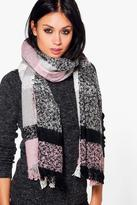 Boohoo Lois Tartan Check Supersoft Scarf