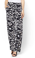 New York & Co. 7th Avenue Pant - Palazzo - Black Floral