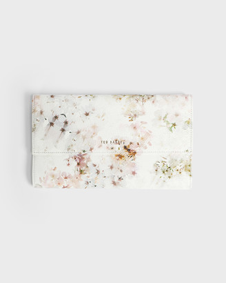 Ted Baker TORIII Vanilla Leather Travel Wallet