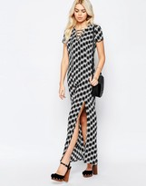 Daisy Street Maxi Dress With Side Split And Lace Up Neckline In Mono Print