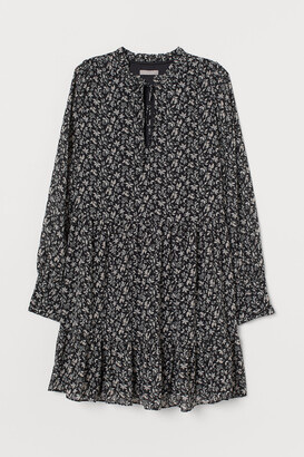 H&M Wide-cut Chiffon Dress