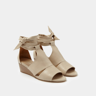 Sclarandis Carla Tie Wedge Flat Shoes in Natural Size 38.5