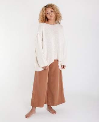 Beaumont Organic Alessandra Cotton Jumper In Ecru - Ecru / Small - White