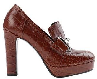 DIVINE FOLLIE Loafer