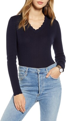 1901 Scallop Trim V-Neck Sweater