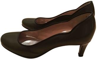 Marc Jacobs Khaki Leather Heels