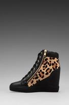 Steve Madden Zipps Sneaker