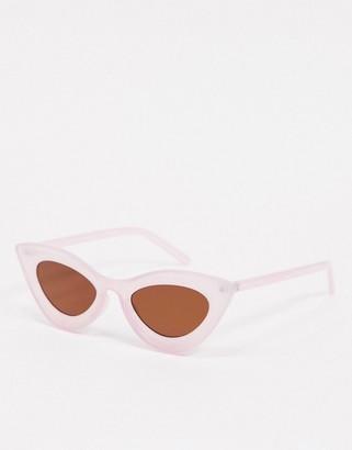 A. J. Morgan AJ Morgan retro cat eye sunglasses in lilac purple