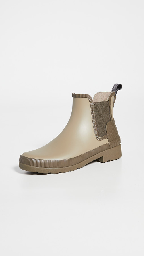 Hunter Chelsea Boots Shop The World S Largest Collection Of Fashion Shopstyle Use o hunter boot shine e o rubber boot buffer para manter as botas em ótimas condições. refined texture block chelsea boots
