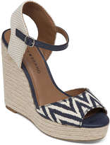 Lucky Brand Rosayy Wedge