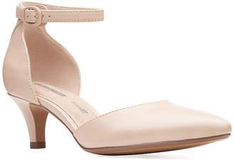 Clarks Womens Linvale Edyth Pointed Toe Kitten Heel Pumps