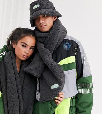 COLLUSION Unisex borg scarf