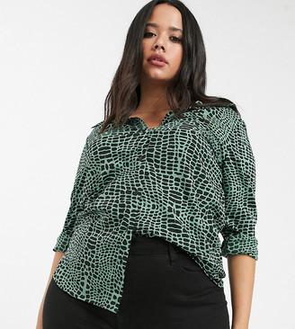 Brave Soul Plus button through shirt in green croc print