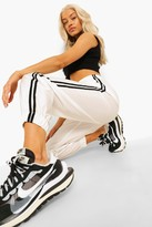 Thumbnail for your product : boohoo Contrast Side Stripe Shell Joggers