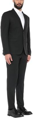 DOMENICO TAGLIENTE Suits
