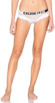 Calvin Klein Underwear Hook Up Micro Hipster in White. - size S (also in )