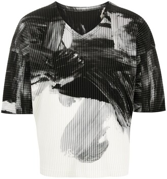 Homme Plissé Issey Miyake abstract-print ribbed T-shirt