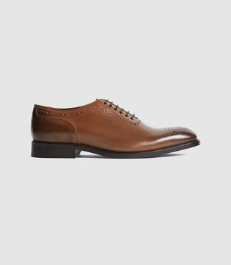 Reiss ALDER LEATHER WHOLE CUT BROGUES Mid Brown