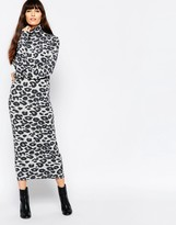Minimum Long Sleeve Animal Print Body-Conscious Midi Dress