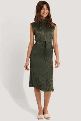 Trendyol Shiny Wrinkle Effect Midi Dress