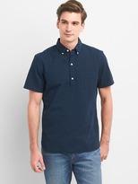 Gap Seersucker short sleeve popover shirt