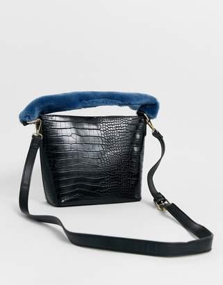 Asos Design DESIGN croc bucket with contrast fur top handle-Black
