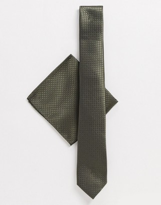 Harry Brown plain tie and pocket square set