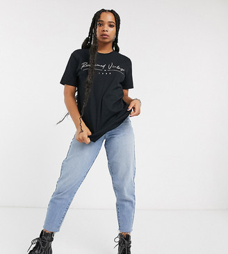 Reclaimed Vintage inspired t-shirt with logo print-Black