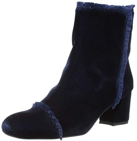 Stuart Weitzman Women's Onthefringe Ankle Boot