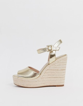 Aldo Ybelani platform wedge sandals in gold
