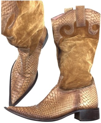 Non Signé / Unsigned Non Signe / Unsigned Camel Python Boots