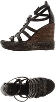 Hache Wedges