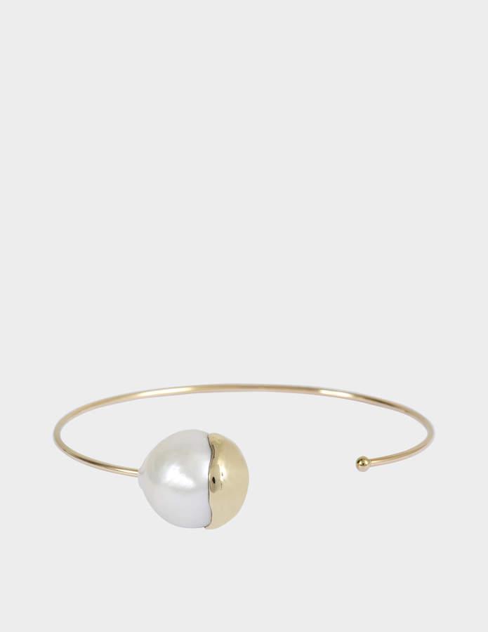 Mizuki Fluid gold pearl cuff