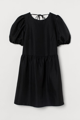 H&M Puff-sleeved Dress - Black