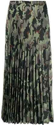 VIVETTA Pleated Camouflage Print Skirt