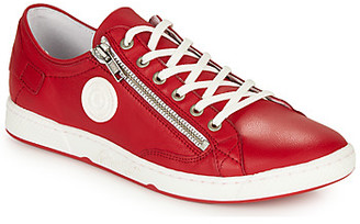 Pataugas JESTER/N women's Shoes (Trainers) in Red
