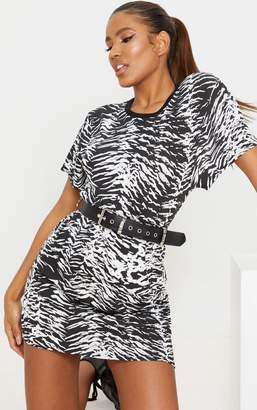 PrettyLittleThing Black Zebra Print T Shirt Dress