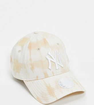New Era Exclusive 9Forty cap in stone tie-dye with white NY