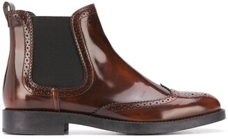 Tod's Brogue-Embellished Leather Boots